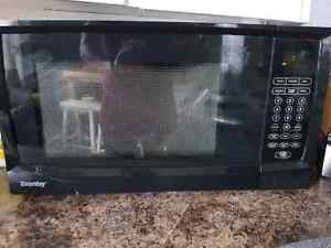 Lightly Used Microwave