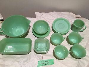 16 piece Jadelite Kitchenware set
