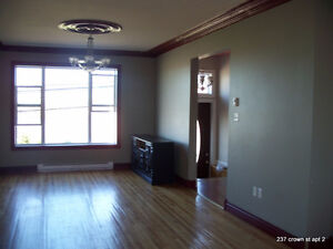 BEAUTIFUL - 2 BR ALL FREE! heat parking electricity washer dryer