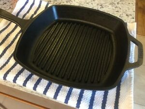 10 1/4 inches lodge cast iron square grill pan Windsor Region Ontario image 1