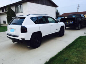 REDUCED! Just in time for winter. 2011 Jeep Compass 4x4