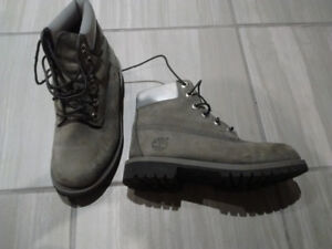 timberland boots grey size 4 excellent condition $60 kids