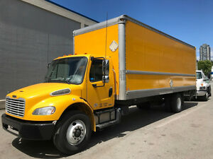 2012 Freightliner M2 26ft box hydraulic brakes, automatic, clean