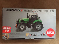 Siko 1:32 Tractor & Trailer