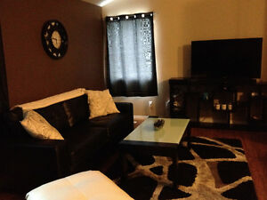 2 bedroom single house close to College for rent