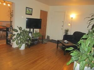Area Lennoxville  2 different 5pcs Heated and Hot Water Included