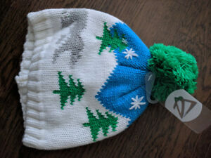 Small, festive toque for child-sized head