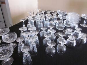 Verre et plats de cristal