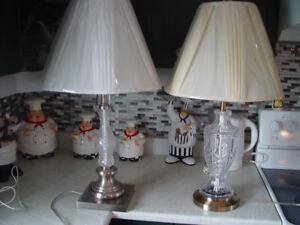 2 lampes valeur de 59.95 + taxe chaque je les vends 25.00 ch ou