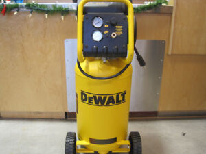 Dewalt Stand up Compressor