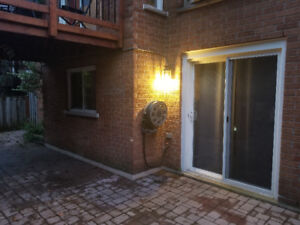 WALKOUT BASEMENT APARTMENT IN AURORA/FOR ONE FEMALE PERSON