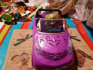 Monster high car and doll Windsor Region Ontario image 2