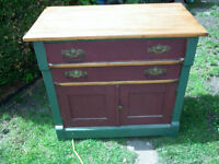 ANTIQUE WASH STAND COMMODE