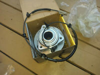 Jeep WK hub bearing assembly w/ pigtail. New in box