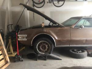 68 Oldsmobile Toronado - no engine