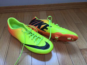 size 7.5 soccer cleats