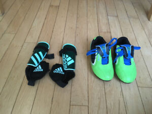 Souliers et protèges-tibia de soccer U4