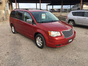 2008 Chrysler Town & Country Touring - Windsor $ 7,499