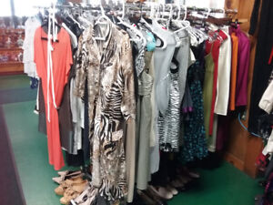 Clothing ON SALÈ most up to 75 % OFF on Commercial brand name.