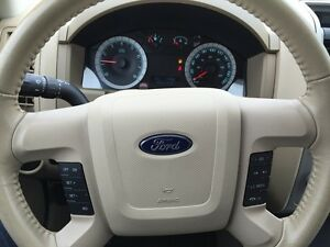 2010 FORD ESCAPE XLT * LEATHER * POWER GROUP * EXTRA CLEAN London Ontario image 16