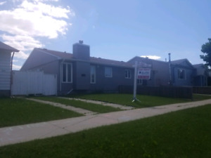 HOUSE FOR RENT 5 MINUTES FROM GARDEN CITY MALL