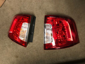 Tail Lights - Ford Edge