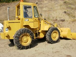 1975 Cat 910 Loader  with  2 Yard  Bucket