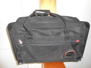TOWER DRIVE LUGGAGE BAG