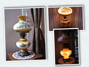 REDUCED!Elegant GWTW/hurricane Victorian style* hand painted
