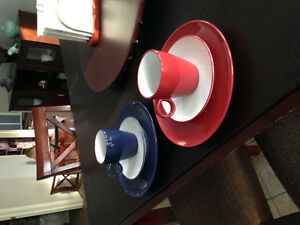Navy and red dishes