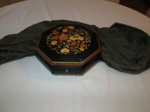 Beautiful Vintage Lacquer Musical Box--Italian