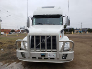truck for sale  volvo780 2013 milage 822000