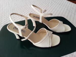 Ladies dress sandals