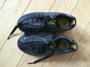 Boys indoor soccer shoes size 12