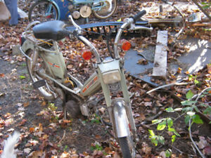 mobylette, moped, scooter antique plusieurs a vendre