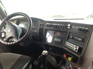 2006 KENWORTH T2000 - PARTING OUT Peterborough Peterborough Area image 9