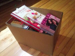 Grosse boîte lot livres divers et DVD Gilmore Girls Saison 5-6-7