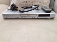 Pioneer dv-370 cd/dvd player w/ remote and cables