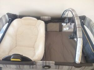 Graco Pack N Play $100.00 OBO Cambridge Kitchener Area image 1
