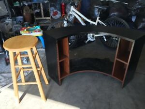 Stools  and round corner table