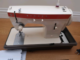 SINGER SEWING MACHINE MADE IN ITALY