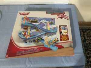 New in Box- Planes Micro Drifters Wall Race Track Set $15