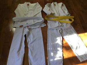 Judogi et uniforme de karaté