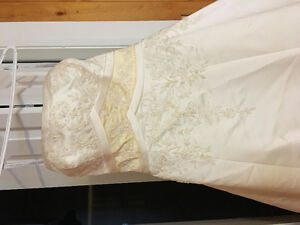 Wedding Dress - Alfred Angelo size 12