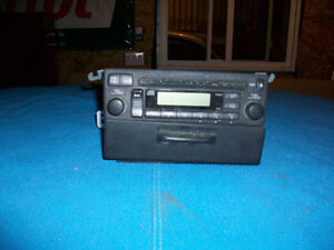 HONDA PILOT STOCK CD PLAYER