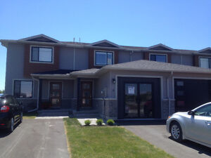 Rooms to Rent in Brand New Townhouse Close to Loyalist College!