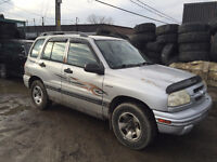 1999 Suzuki Vitara  ** AUTOMATIQUE ** 4X4 ** ÉCHANGE POSSIBLE **
