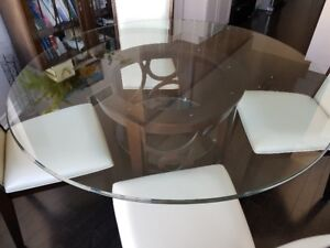 Stoney Creek round glass dinette table with 4 chairs