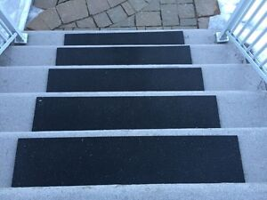 6 Outdoor Rubber mats for stairs / Tapis d'hiver pour escaliers