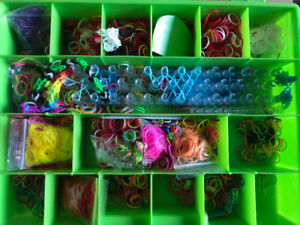 Rainbow loom case and elastics